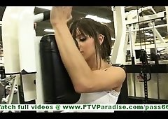 Risi sporty brunette hair teen flashing and additionally stroking pussy in gym